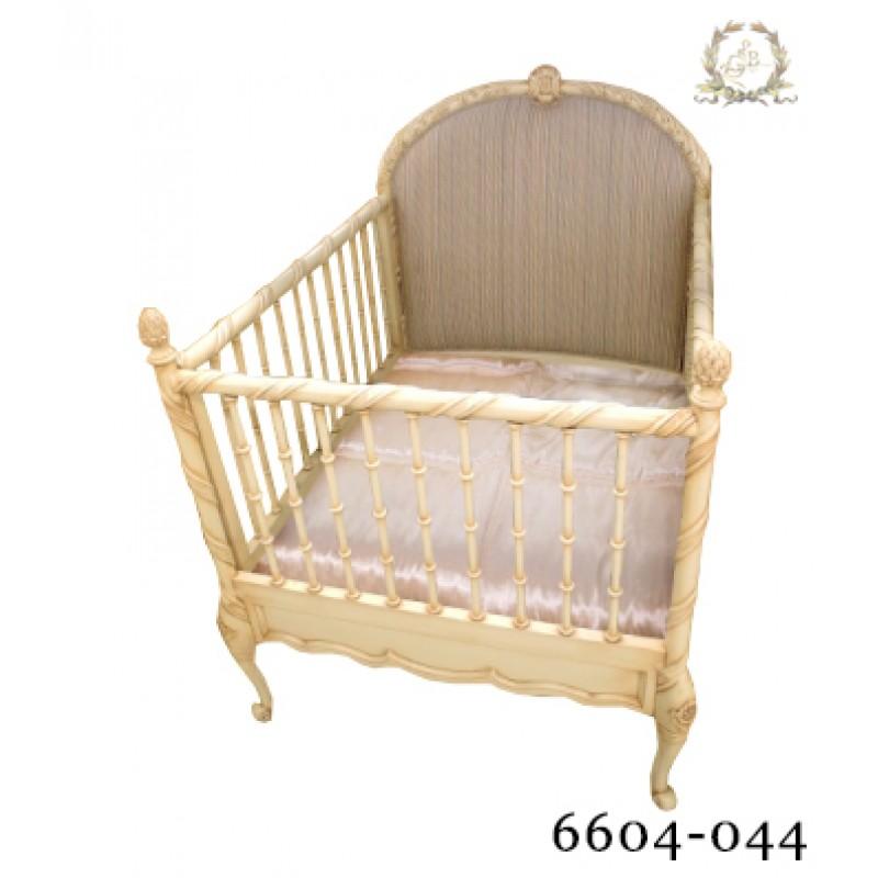 """Детская кроватка """"Жули"""""""